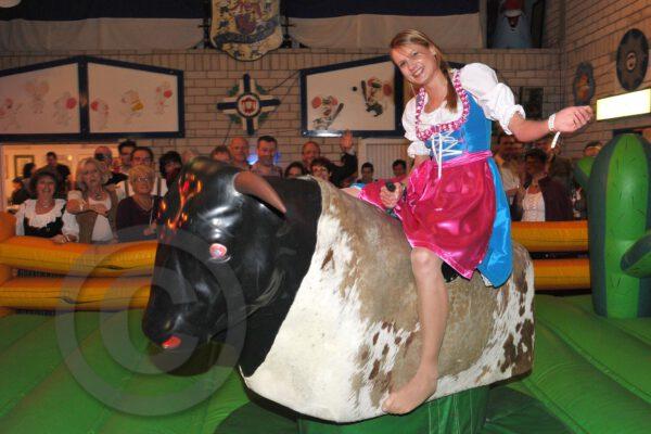Bullriding Oktoberfest mieten   MSE-Connection